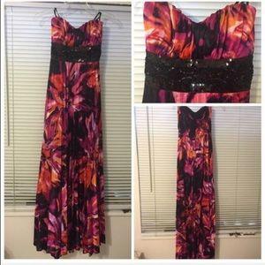 Dresses & Skirts - Long sweetheart formal dress